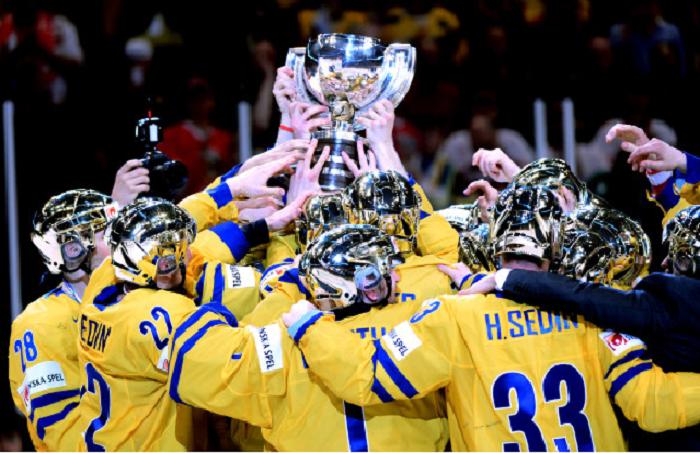 Tre Kronor lyfter VM-Guldbucklan - bild.