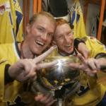 Jörgen och Kenny Jönsson efter VM-guldet Riga 2006