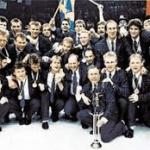 Sverige i kostymer efter VM-guldvinst 1987